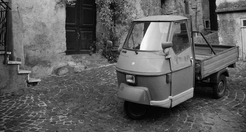 Włoski trójkołowy van z roku 1950