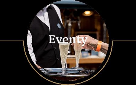Kelner rozdający wino prosecco gościom wydarzenia firmowego